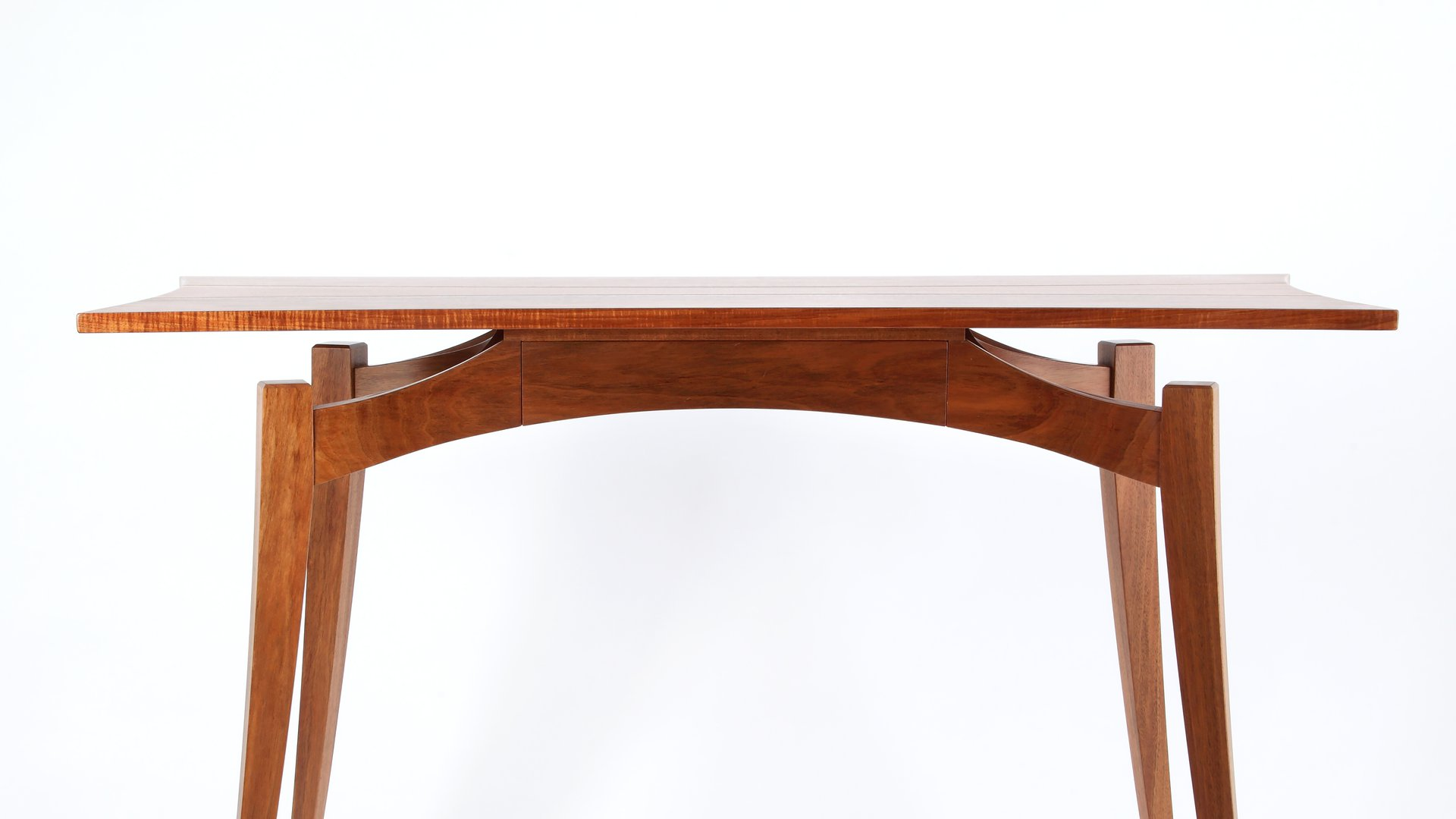 Ben Perry Mantis Table