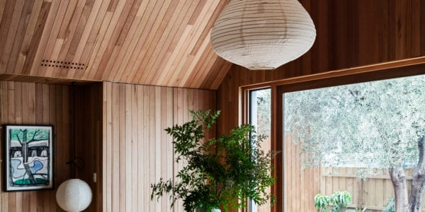 Au naturale. Tasmanian Oak stuns in its organic form in these Melbourne homes